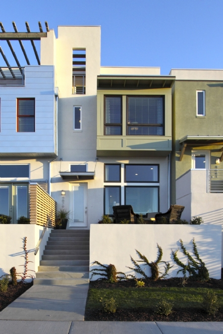 Modern townhomes at Daybreak